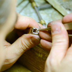 On The Spot Jewelry Repairs